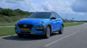 Hyundai Kona Hybrid Driving in the country [Video]