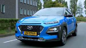 News video: Hyundai Kona Hybrid Driving in the city