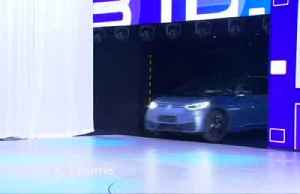 Frankfurt Auto Show goes electric, but greens don't buy it [Video]