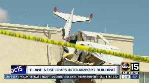 Two hurt after plane crashes into building at Ak-Chin Regional Airport [Video]