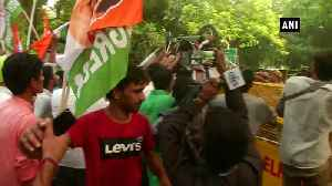 Youth Congress protests outside Nitin Gadkari's residence over hike in traffic penalties [Video]