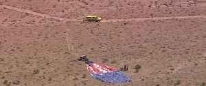 News video: Hot air balloon crashes in desert
