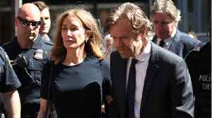 Felicity Huffman Arrives For College Scandal Sentencing [Video]