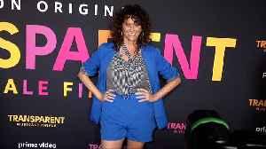 Amy Landecker 'Transparent Musicale Finale' Premiere Red Carpet [Video]