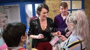 Phoebe Waller-Bridge greets fans after final 'Fleabag' performance at London's Wyndham's theatre [Video]