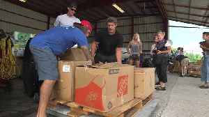 Country Star Loads Up Hurricane Dorian Relief Supplies In Key West Bound For Bahamas [Video]