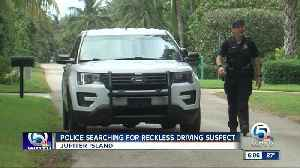 Police search for suspect at large on Jupiter Island [Video]