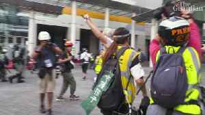 Uncle Wong, 82: protecting Hong Kong protesters with his walking stick [Video]