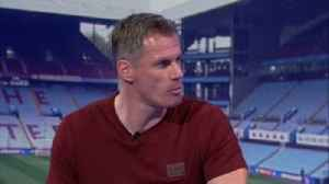 Nev and Carra on De Gea extension [Video]