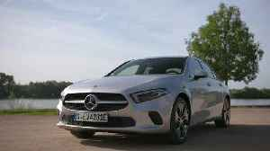Mercedes-Benz A 250 e Sedan Design in iridium silver [Video]
