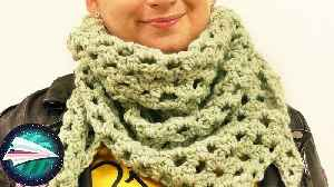 Fast Triangle Scarf | Lovely Net Pattern, Light but Warm | Crocheting for Beginners [Video]