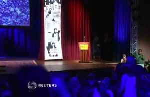 Teen activist Thunberg receives Conscience Award [Video]