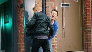 Coronation Street Soap Scoop! Gary attacks Ryan [Video]