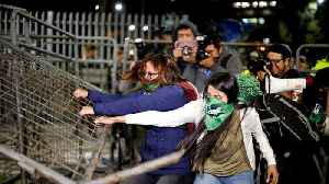 Clashes on the streets of Quito over pro-abortion law [Video]