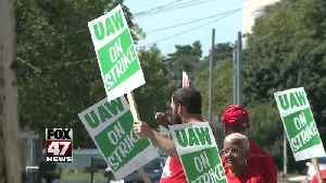 UAW strikers can sign up for health insurance next week [Video]