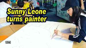 Sunny Leone turns painter [Video]