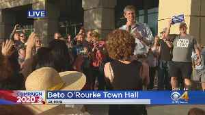 Beto O'Rourke Holds Town Hall Meeting In Aurora [Video]