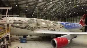 Time-lapse of Millennium Falcon livery on Virgin Atlantic 747 [Video]