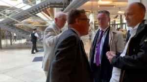 'I've had death threats': MP confronts Cummings [Video]