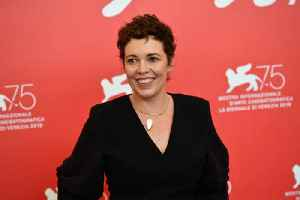 Olivia Colman doesn't leave her house [Video]