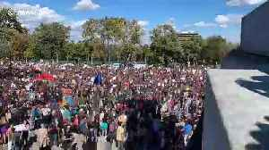 Time-lapse shows tens of thousands at Montreal climate protest [Video]