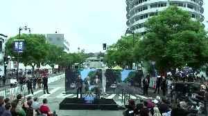 Patrick Stewart celebrates 50th anniversary of Beatles' Abbey Road album [Video]