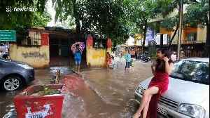Activist holds fashion photoshoot during deadly Indian floods to protest 'civic apathy' [Video]