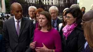 Swinson: I won't be backing Corbyn as interim prime minister [Video]