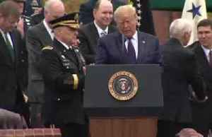 In the rain, Pres. Trump welcomes new military chief [Video]
