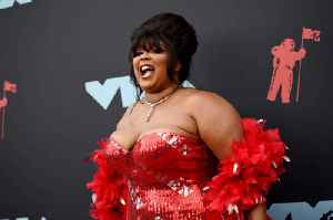 Lizzo Tops 'Billboard' Hot 100 for Fifth Straight Week [Video]