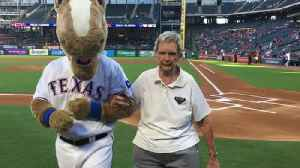 McMurry, Abilene coaching great Bev Ball tosses first pitch [Video]
