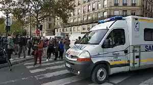 Ambulance arrives at Paris knife attack scene [Video]
