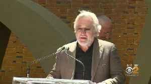 News video: Robert DeNiro's Assistant Accuses Actor Of Verbal Abuse