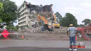 VIDEO: Days Inn demolition set to finish on Friday [Video]