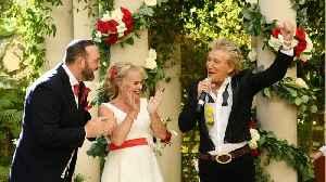 Rod Stewart Crashes Young Couple's Las Vegas Wedding [Video]