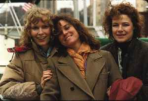 Hannah and Her Sisters Movie (1986) - Barbara Hershey, Carrie Fisher, Michael Caine [Video]