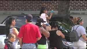 Numerosos padres fueron a buscar a sus hijos tempranos luego de recibir el aviso [Video]