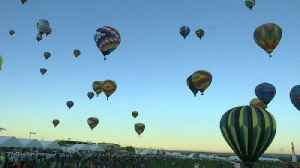 Dozens of hot air balloons take part in annual US festival [Video]
