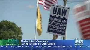Moneywatch: UAW Workers Strike Enters 4th Week [Video]