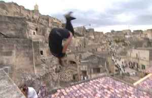Mohamed and Olson win freerunning titles in ancient surroundings [Video]