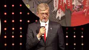 Wenger accepts Legend award [Video]