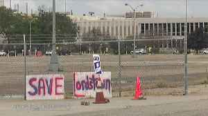A look at those walking the picket line in support of the UAW at the closed Lordstown Assembly plant [Video]