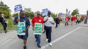 Talks Between GM, United Auto Workers Stall 3 Weeks Into Strike [Video]