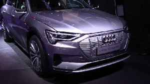 Audi e-tron 55 quattro at 2019 IAA [Video]