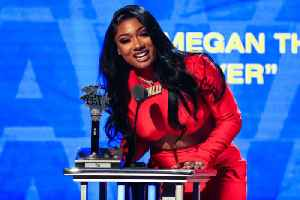 Big Winners at the 2019 BET Hip Hop Awards [Video]