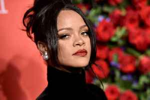 Rihanna Opens up About Refusal to Perform at 2018 Super Bowl [Video]