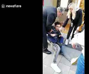 Dublin man pinned to ground by members of public after he 'tries to rob iPhone' [Video]