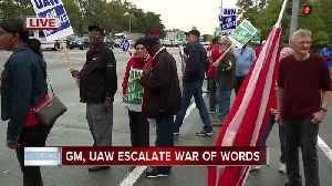 GM gives update to employees while UAW urges automaker to 'stop playing games' [Video]