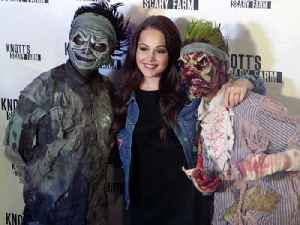Kelli Berglund Takes On Knott's Scary Farm's Haunted House [Video]