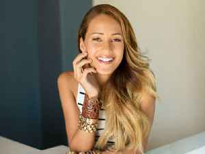 Singer Skylar Stecker Performs Live & Discusses Her Music's Empowering Message [Video]